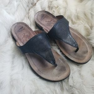 DANSKO black mini wedge sandals paisley print 37